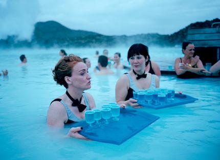 冬天,又到了去冰岛看极光逛火山泡蓝湖温泉的时候了.