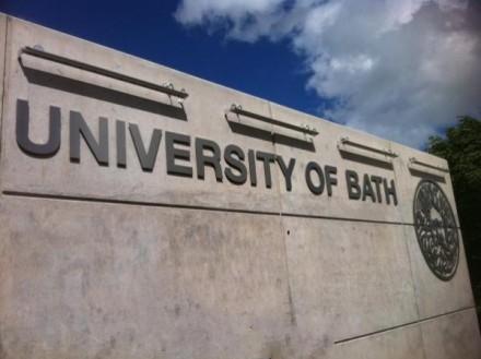 英国巴斯大学