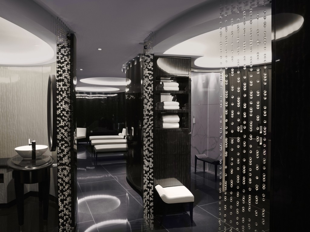 Male Changing ESPA Life at Corinthia