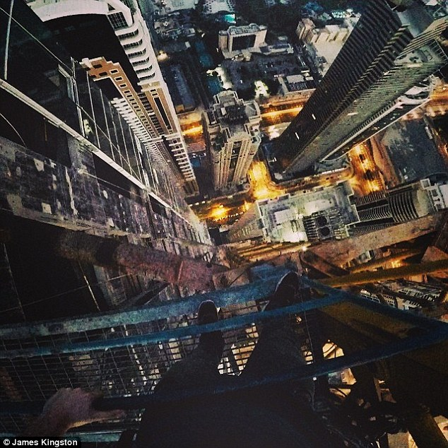 234420D600000578-2839273-Vertiginous_The_look_down_from_what_James_Kingston_says_is_Dubai-1_1416315566070