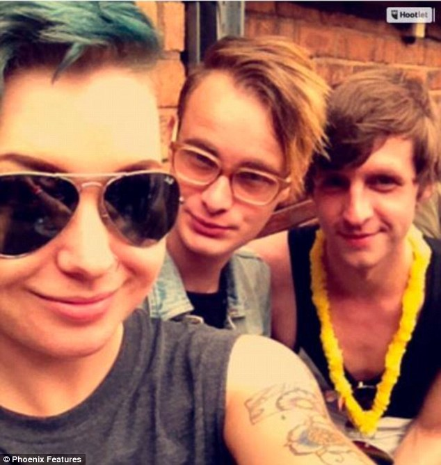 34A22F5000000578-3610403-Charlotte_left_with_her_friends_at_Birmingham_Pride_in_2015_At_1-a-36_1464260624687