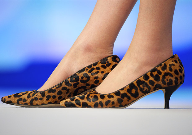 Kitten heels memiliki heels rendah, maksimum 4,75 cm.