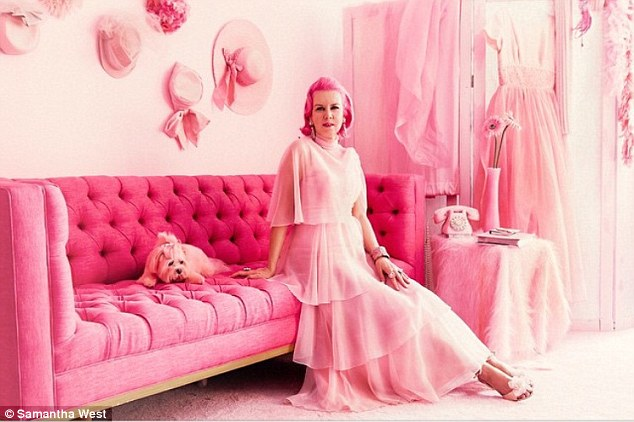 35F2361C00000578-3673756-Kitten_says_that_she_finds_the_colour_pink_empowering_and_her_ro-a-20_1467716442108