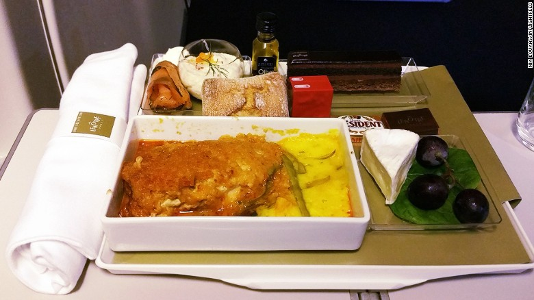 160810105921-inflightfeed-airline-food-airfrance-economy-lenotre-exlarge-169