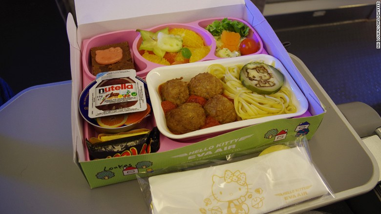 160810105946-inflightfeed-airline-food-eva-air-hello-kitty-kids-meal-exlarge-169