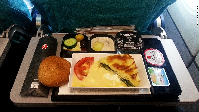 160810110150-inflightfeed-airline-food-turkish-airlines-economy-breakfast-exlarge-169