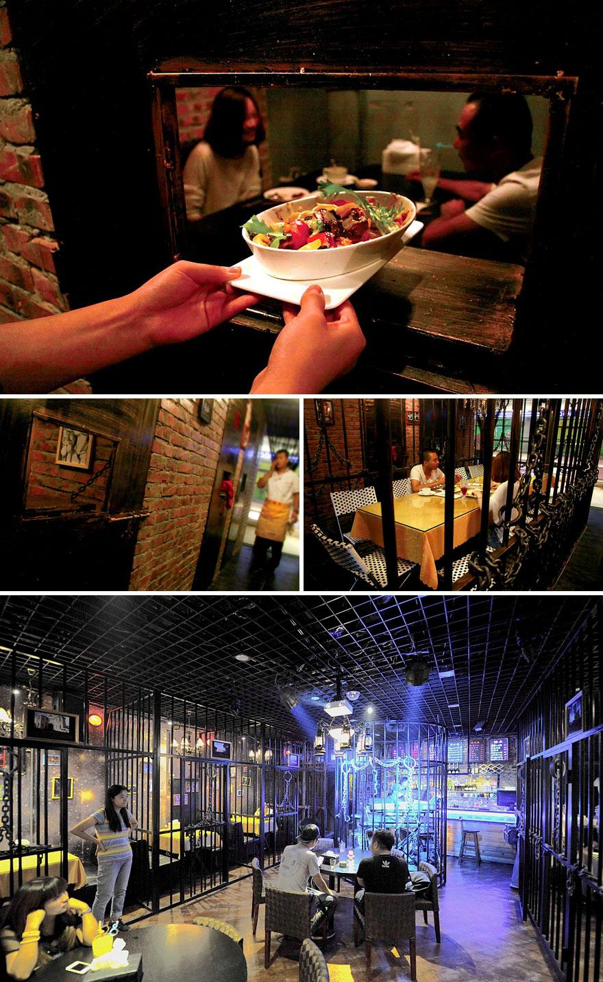 worlds-most-amazing-restaurants-unique-dining-experiences-58-57eba322de9b9__880