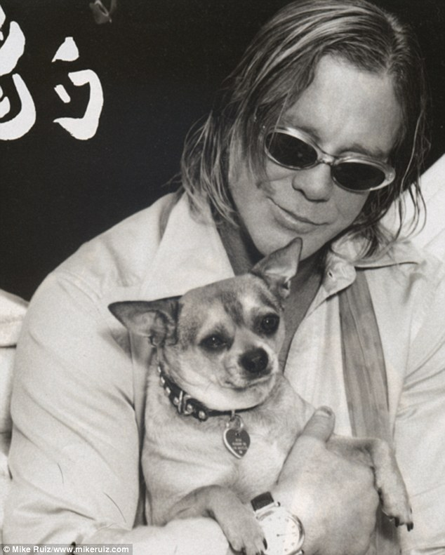 2e0f113800000578-3301040-honesty_mickey_rourke_opened_up_about_how_his_dog_loki_stopped_h-m-2_1446538558935