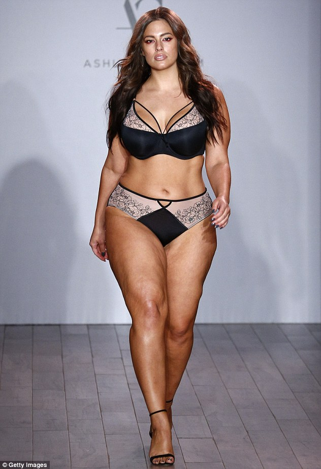 385d827500000578-3790035-back_again_ashley_graham_returned_to_the_new_york_fashion_week_r-m-39_1473944738598