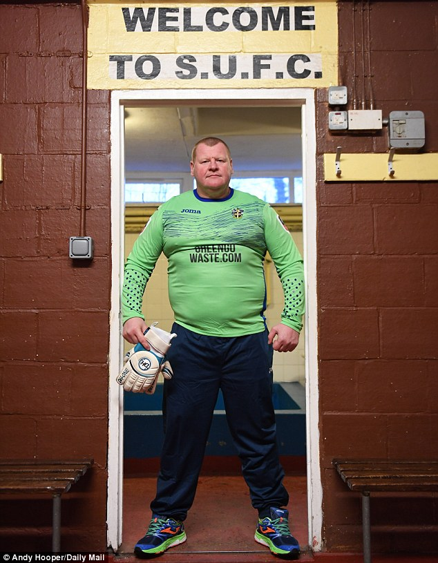 3CF90CFB00000578-4245100-Sutton_United_goalkeeper_Wayne_Shaw_has_become_one_of_the_faces_-a-45_1487686288464