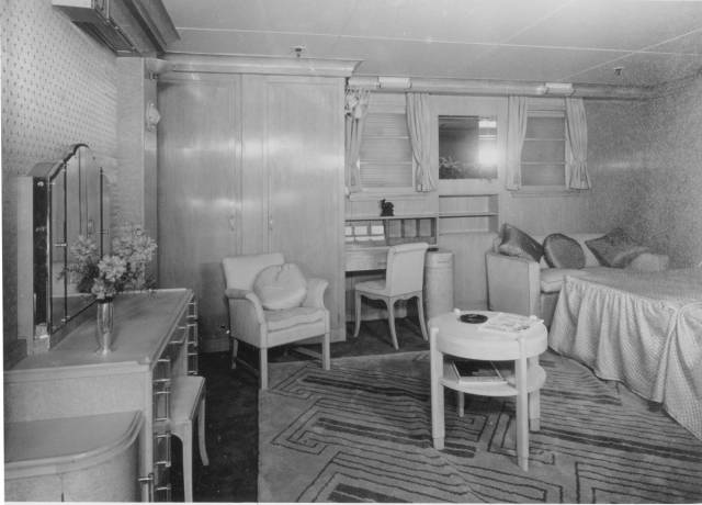 historical_photos_that_offer_a_glimpse_at_all_the_glamor_that_a_cruise_ship_traveling_was_back_then_640_81