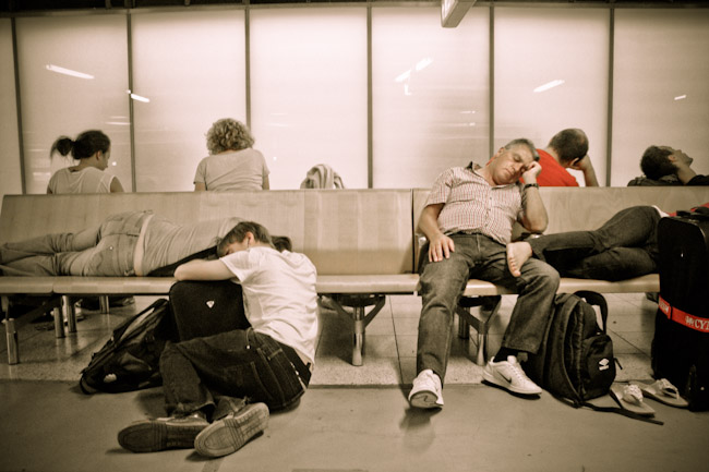 sleeping-in-airport-bench