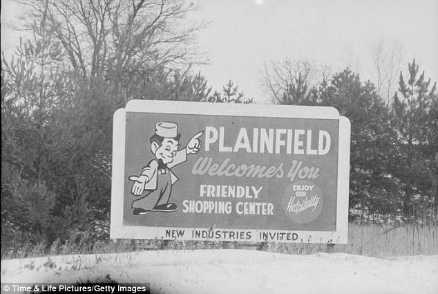 43B854A600000578-4838132-The_Gein_family_moved_to_the_small_town_of_Plainfield_when_Gein_-a-7_1504136489005
