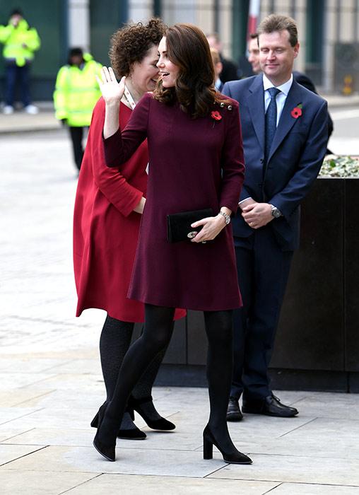 kate-middleton-pregnant-short-dress-a