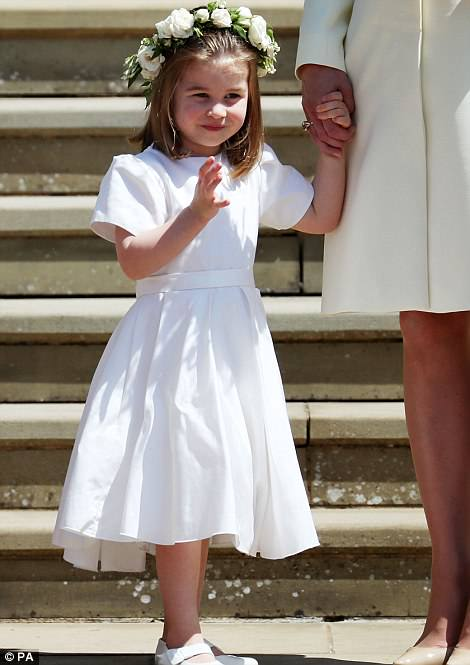 4C6E288A00000578-5747917-Princess_Charlotte_after_the_wedding_of_Prince_Harry_and_Meghan_-a-126_1526739208130