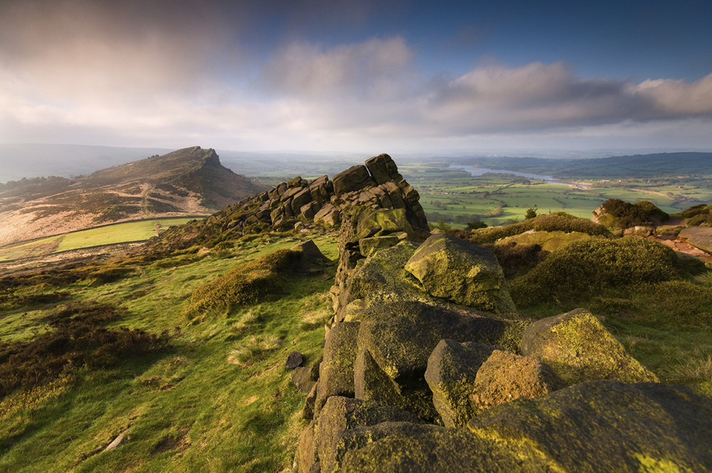 1.-iStock-Peak-District-National-Park