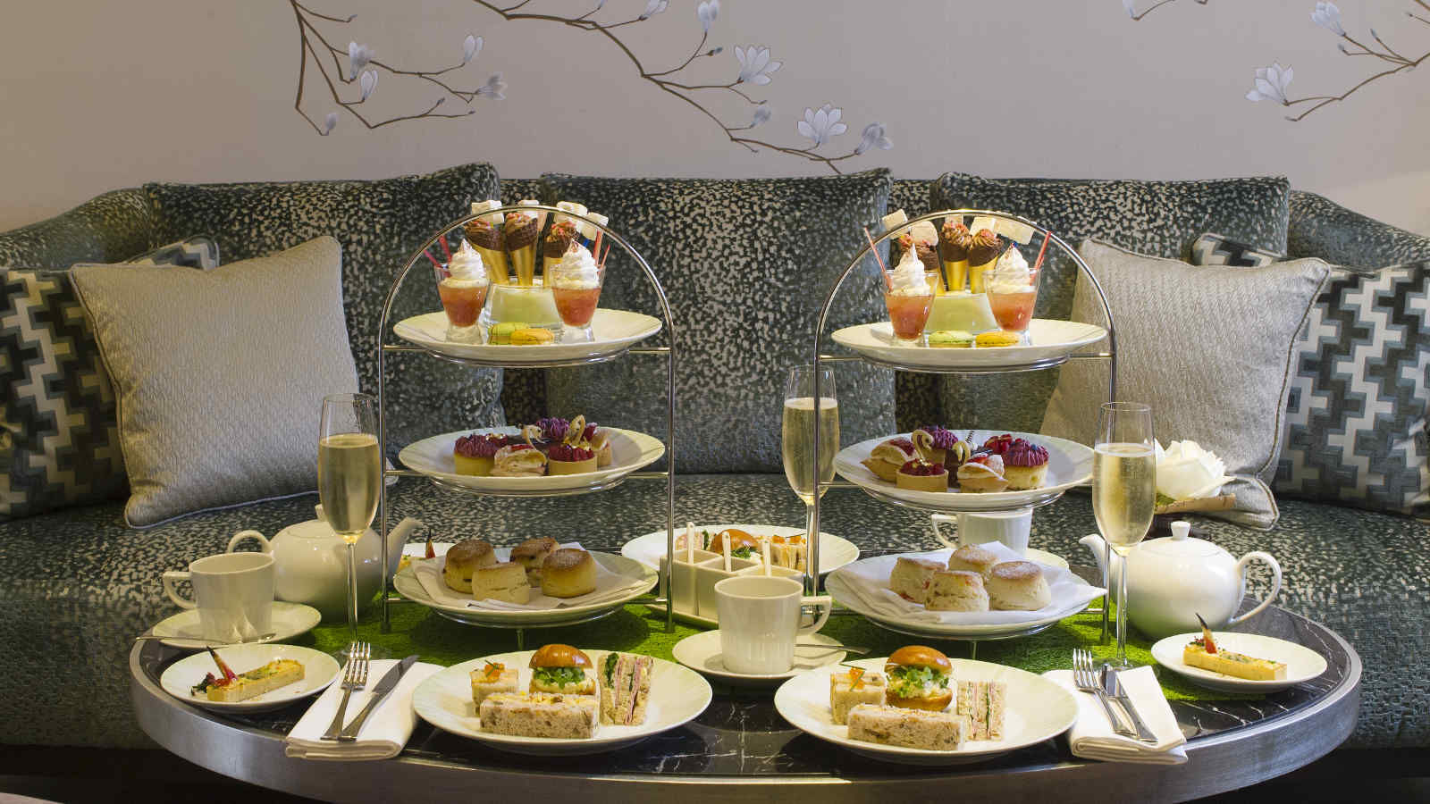 The-Knightsbridge-Lounge-Afternoon-Tea-London