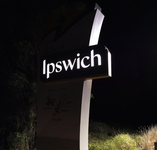 ipswich-entry-sign-night-shot-reflective-vinyl