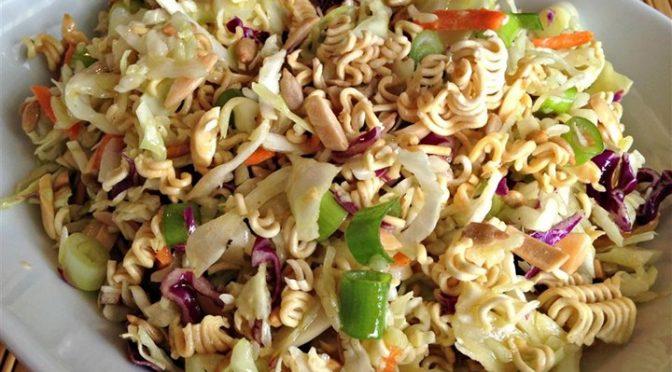 salad-instant-noodles-672x372