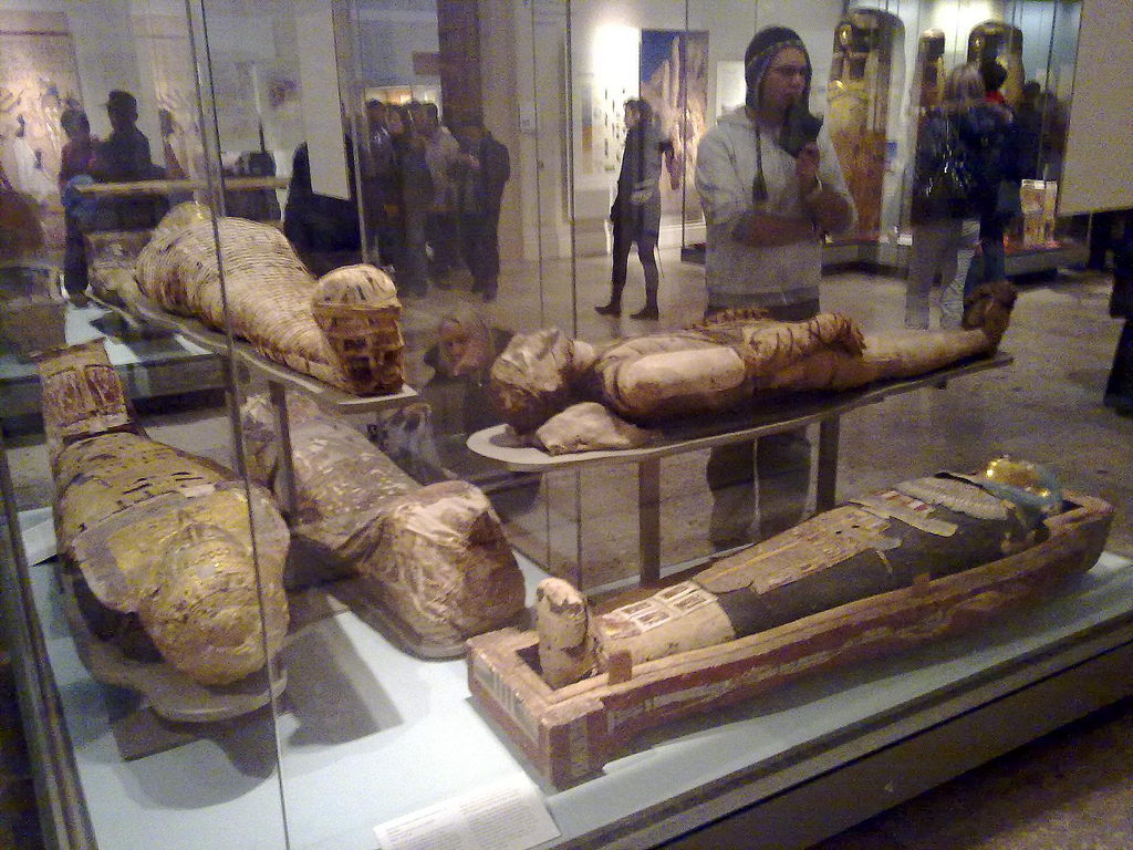 Egyptian_mummies,_British_Museum