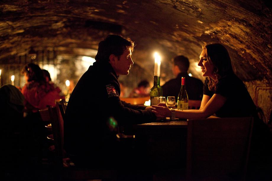 Wine-Couple-Bar