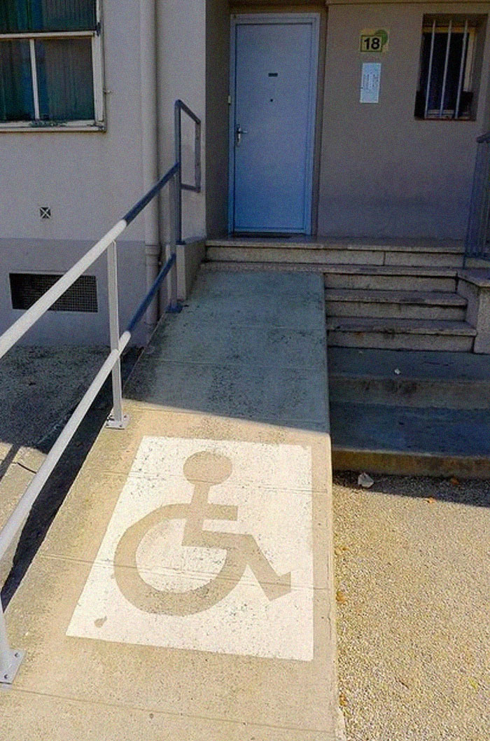 extreme-wheelchairing-accessibility-fails-5-5d4d681fdc139__700