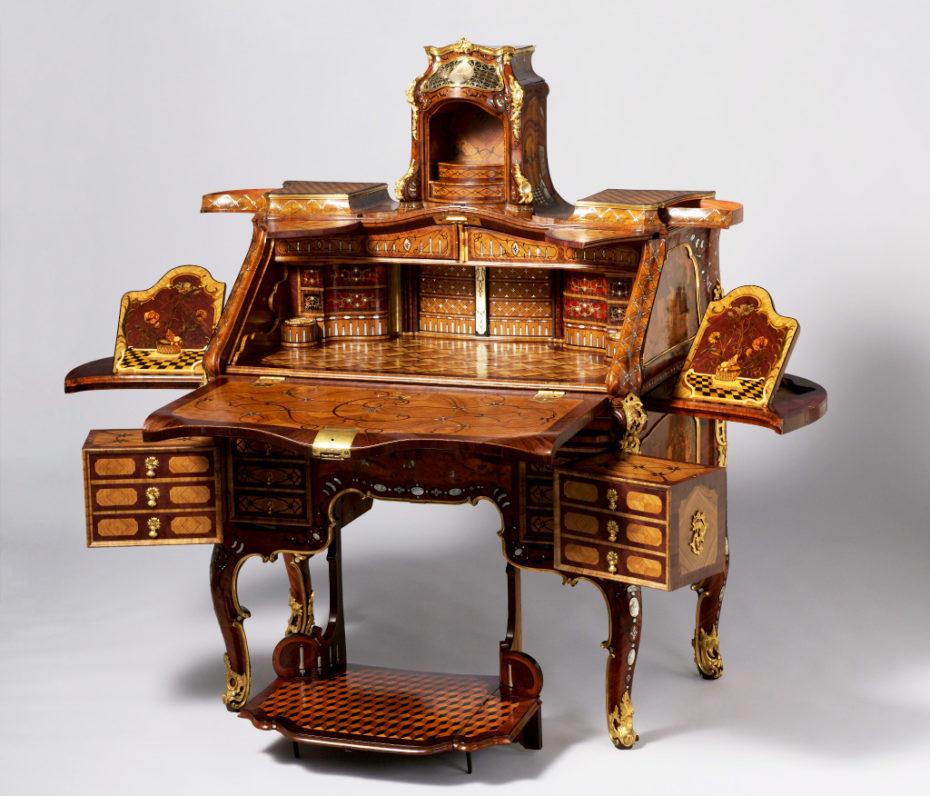 Abraham-Roentgen-Writing-Desk-03-930x796