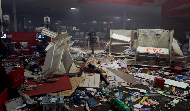 minneapolis-target-looted-640x373