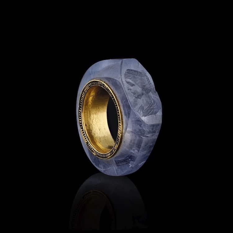 sapphire-caligula-ring-1