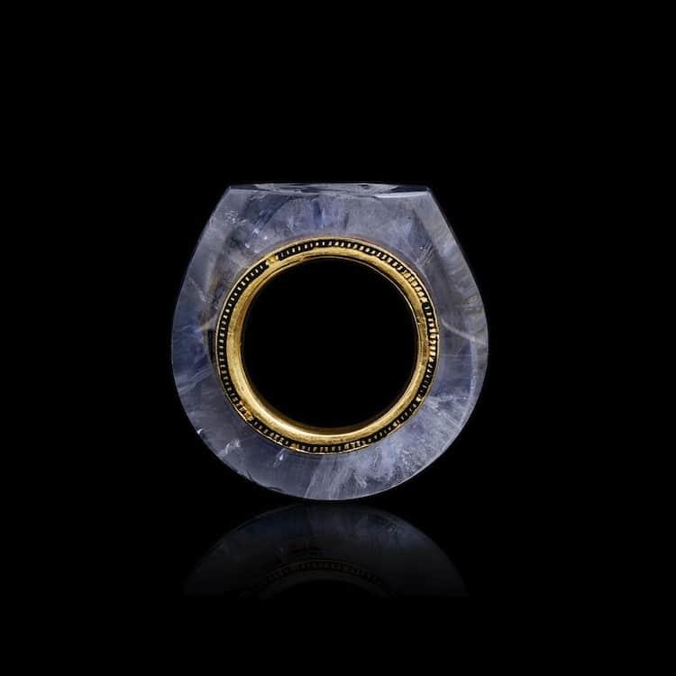 sapphire-caligula-ring-2